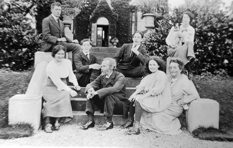 Informal family photo: John George and Jennie Bartholomew's family at Merlindale, Drumelzier (Scottish Borders)